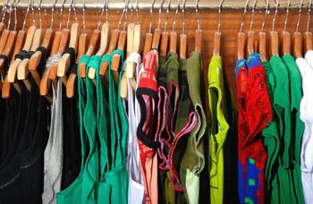 Thrift store shopping, shopping hacks, thrift store hacks, thrift store furniture, popular pin, thrift stores.