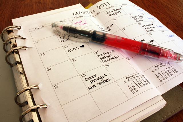 Productive, productivity hacks, productive living, popular pin, organized life, organized living hacks.