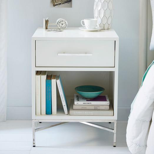 Organized bedroom, bedroom hacks, popular pin, DIY organization, home organization, home, DIY home, easy organization, storage ideas.