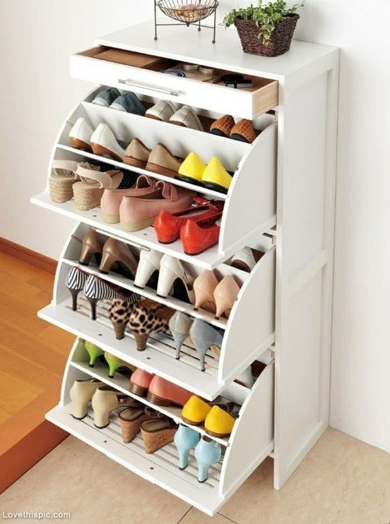 10 Amazing Tips for an Organized Bedroom8