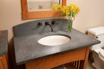 10-tips-that-will-help-clean-your-bathroom-like-a-pro3