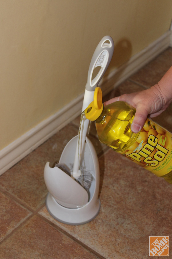 10-tips-that-will-help-clean-your-bathroom-like-a-pro6