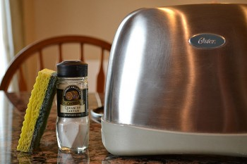 25-kitchen-cleaning-hacks-everyone-should-know3