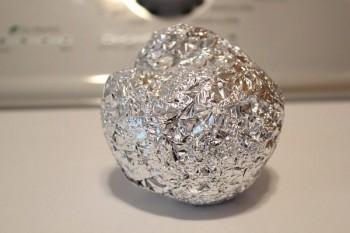 10-unheard-of-ways-to-use-aluminum-foil7
