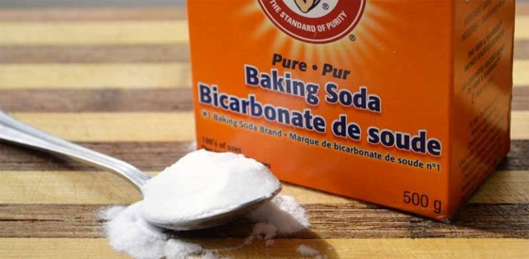 urine-scale-in-toilet-limescale-03-remove-with-baking-soda-768x376