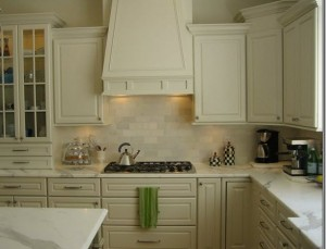 How to Remove Oil Stains in the Kitchen  Kitchen Cleaning, Kitchen Cleaning Hacks, Kitchen Cleaning Checklist, Kichen Cleaning Tips, Cleaning, Cleaning Hacks, Stain Remover #KitchenCleaning #KitchenCleaningHacks #StainRemover