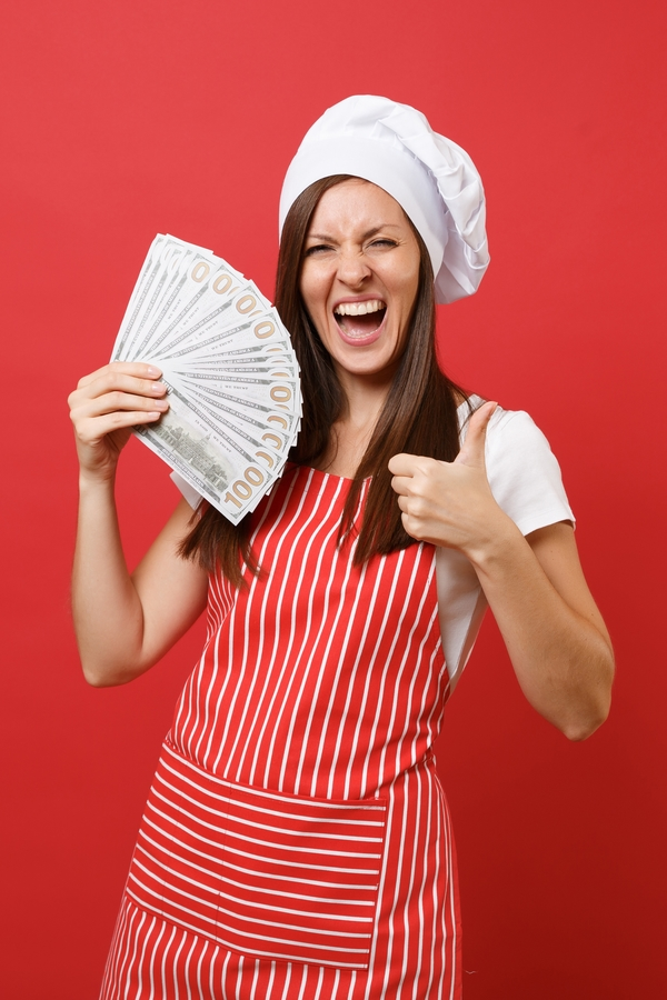cooking   saving money   saving money by cooking at home   cook at home   cook   money tips   ways to save money