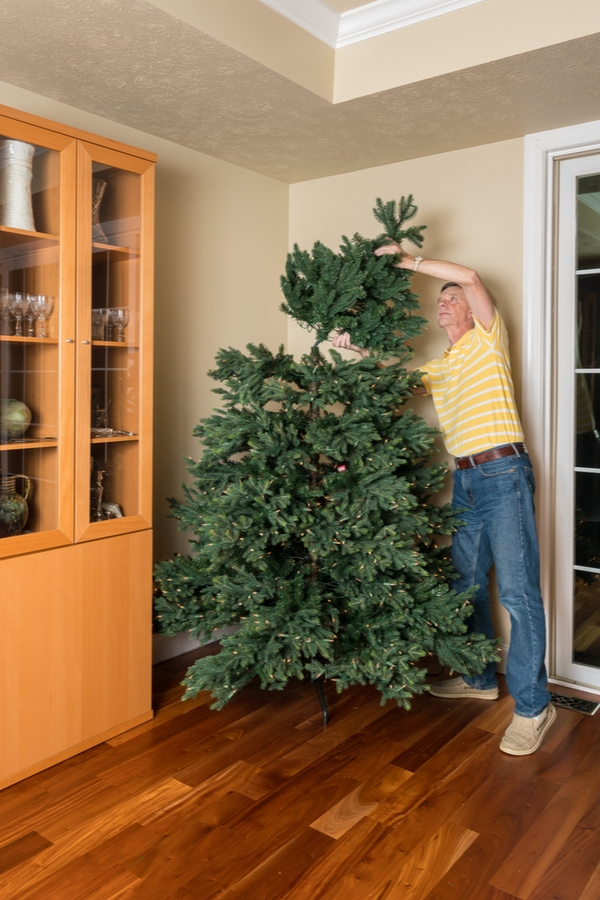 Cleaning your artificial Christmas tree is so important. Here's how to clean an artificial Christmas tree. You'r tree will look so much better.