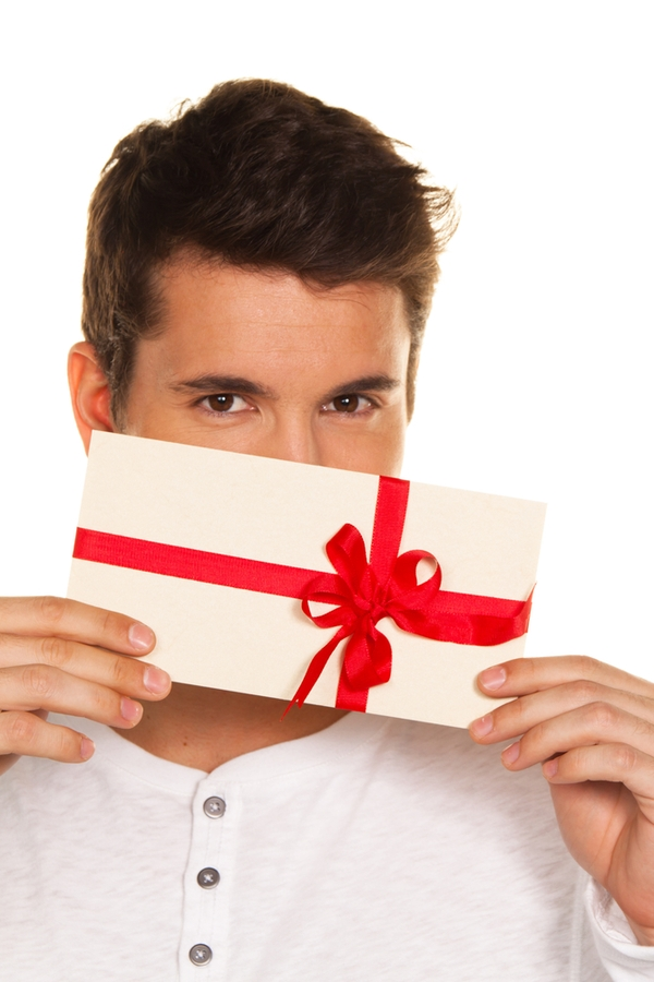 Does your significant other love a clean house? Who doesn't! This year, why not give house cleaning gift certificates for Christmas? They'll love it!